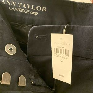 Ann Taylor Cambridge crop size 4
